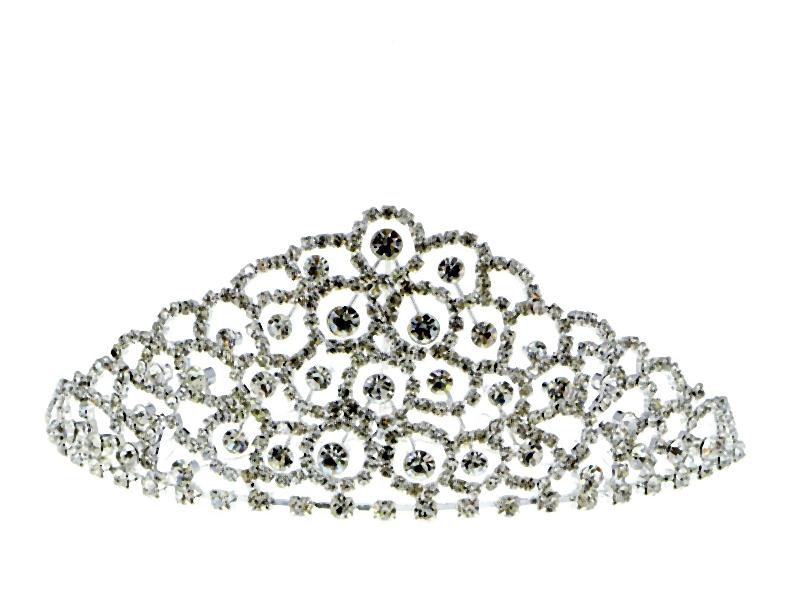 Biżuteria i dodatki na studniowkę. Królują mieniące się kryształki i szlachetne perły.